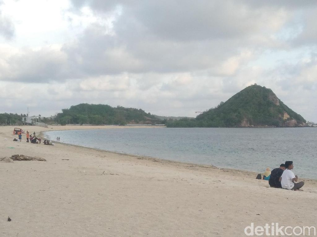 Pro-Kontra Tambang Emas Bukit Prabu di Sekitar Mandalika