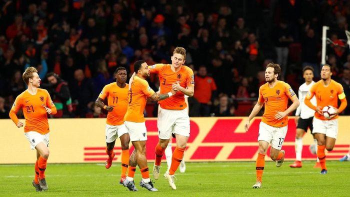Timnas Belanda bermain buruk di babak pertama sehingga kalah dari Jerman (Francois Lenoir/Reuters)