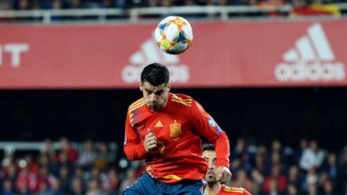 Alvaro Morata disebut sudah menjadi pemain yang jauh lebih baik sejak meninggalkan Chelsea. (Foto: Denis Doyle / Getty Images)