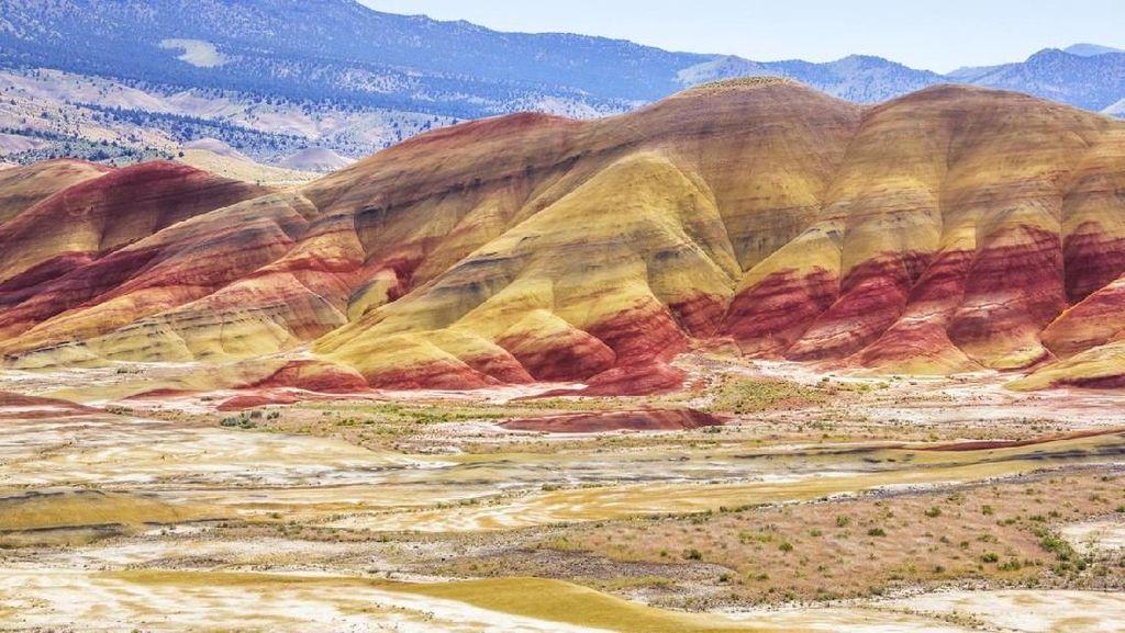 Fenomena Alam, Perbukitan Warna-warni Bagai Lukisan
