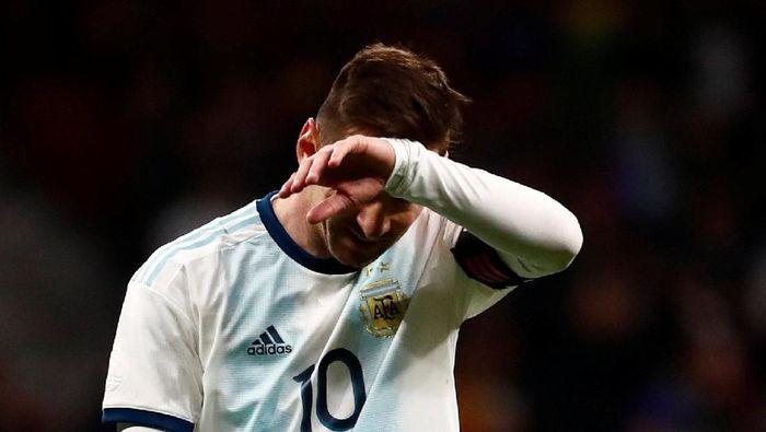 Maroko merasa Lionel Messi cuma pura-pura cedera (Juan Medina/Reuters)