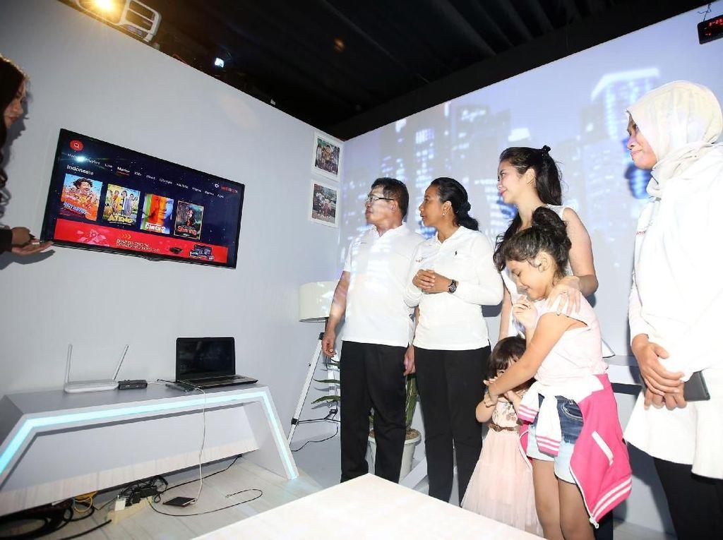 Menteri Rini Terus Dorong Masyarakat Digital Indonesia
