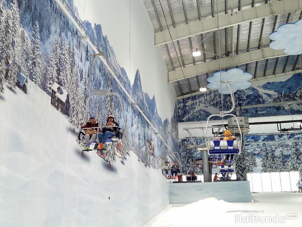 Liburan Akhir Pekan, Main Salju di Bekasi Yuk!