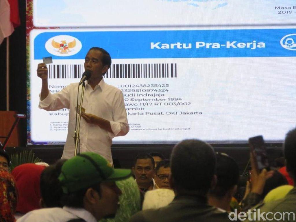 Meramal Dampak Kartu Prakerja Jokowi