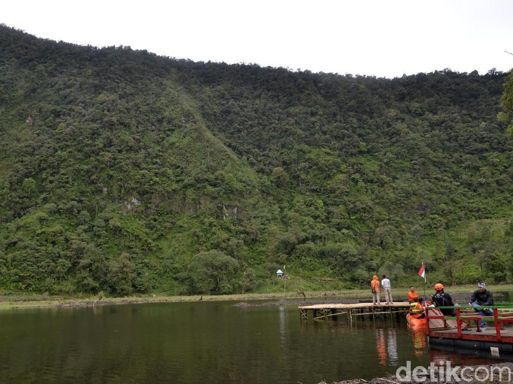 Foto: Telaga Eksotis di Kaki Pegunungan Pekalongan