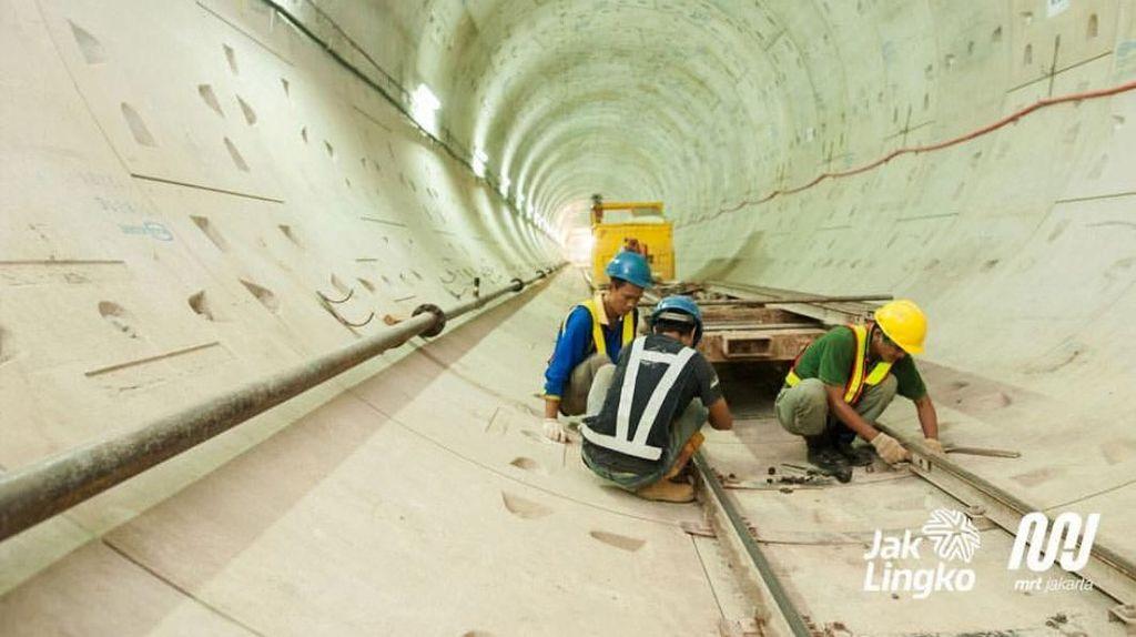 Potret Para Pekerja Proyek MRT Pertama Indonesia