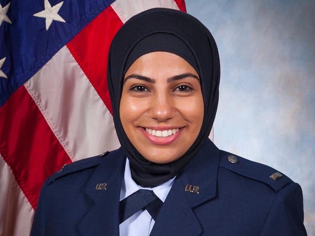 Potret Anggota Militer Berhijab di AS, Tak Menyerah Meski Disebut Teroris
