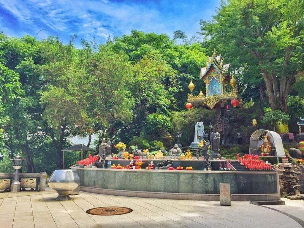 Mengintip Indahnya Vihara Dewi Kwan Im di Sukabumi