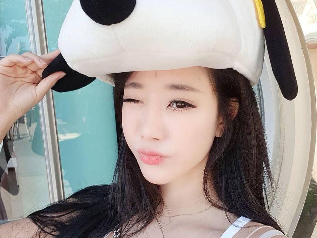 Foto: Gaya Liburannya Youtuber Seksi Korea Selatan