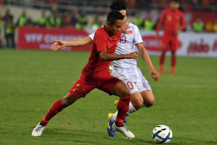 Indonesia mendapat banyak tekanan dari Vietnam pada babak pertama. Gawang Indonesia sempat beberapa kali dapat ancaman, namun Satria Tama mampu melakukan penyelamatan. Antara Foto/R. Rekotomo.