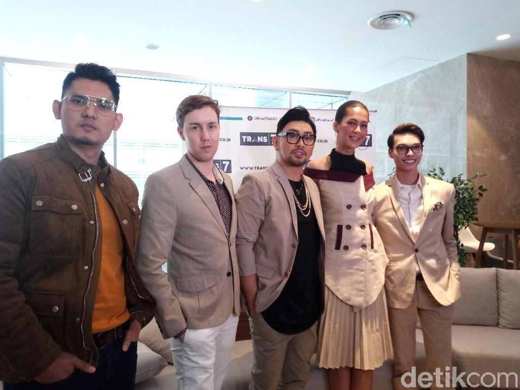 Paula-Caren Delano Bagikan Trik Jadi Kece di Fashion and Beauty Trans7