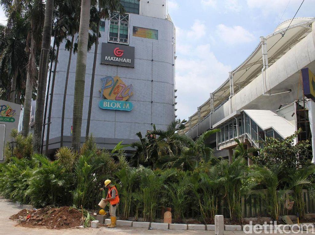 Toko-toko Ritel di Jalur MRT Diserbu Penyewa