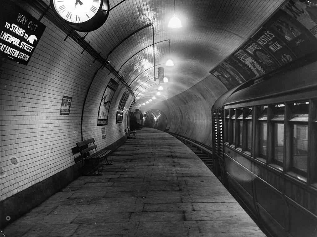 Potret MRT London Dibangun Seabad Silam, Tertua di Dunia