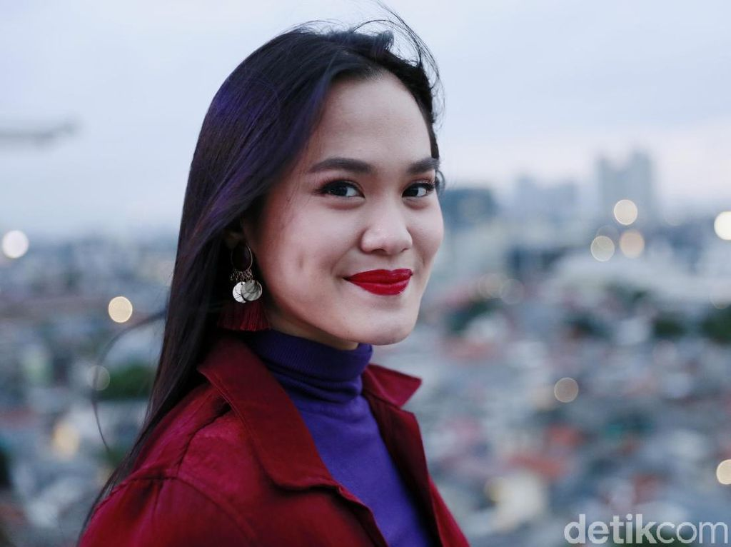 Sheryl Sheinafia Susah Payah Tulis Lagu di Tengah Kebuntuan