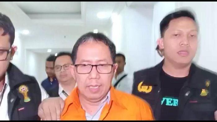 Joko Driyono tak tergeser dari posisi plt ketua umum PSSI kendati telah ditahan di Rutan Polda Metro Jaya. (Samsudhuha Wildtroansyah/detikSport)