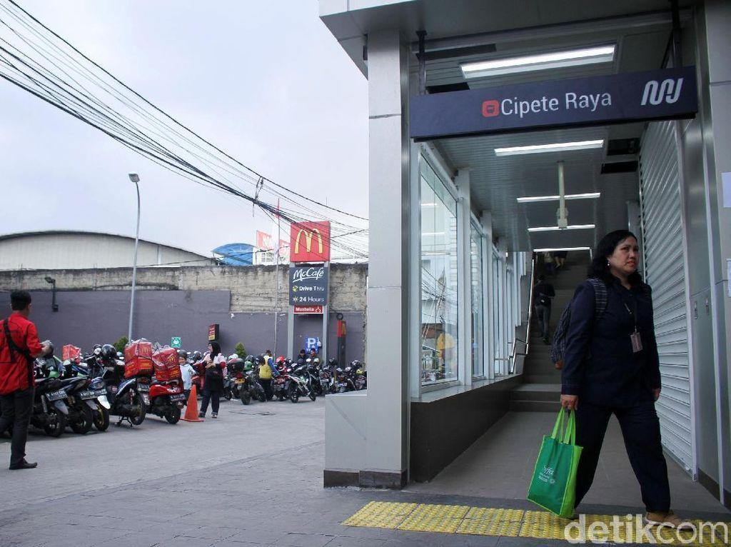 Tiket MRT Cuma Setengah Harga Selama April