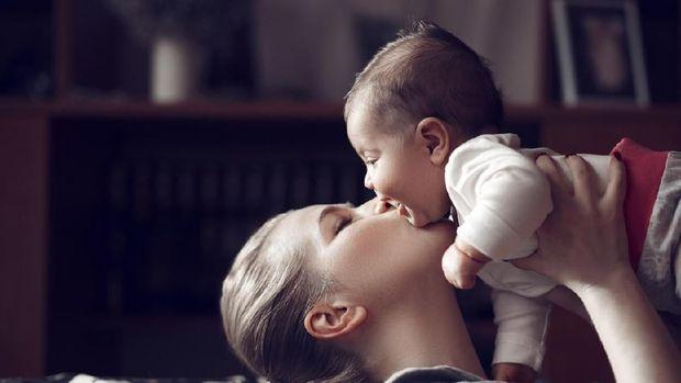 Ilustrasi ibu dan bayi
