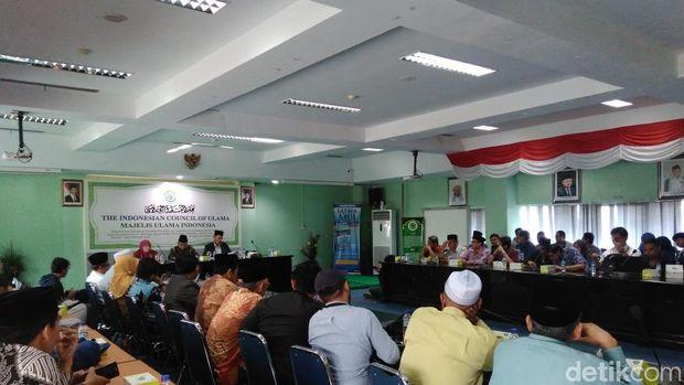 Suasana diskusi fatwa PUBG di kantor MUI