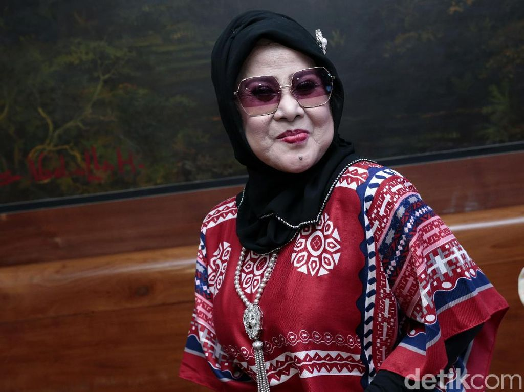 Elvy Sukaesih Takut Publik Marah Gelar Ratu Dangdut Diberi ke Orang Lain