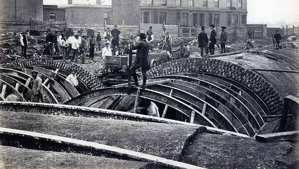Potret Pembangunan MRT London Seabad Silam