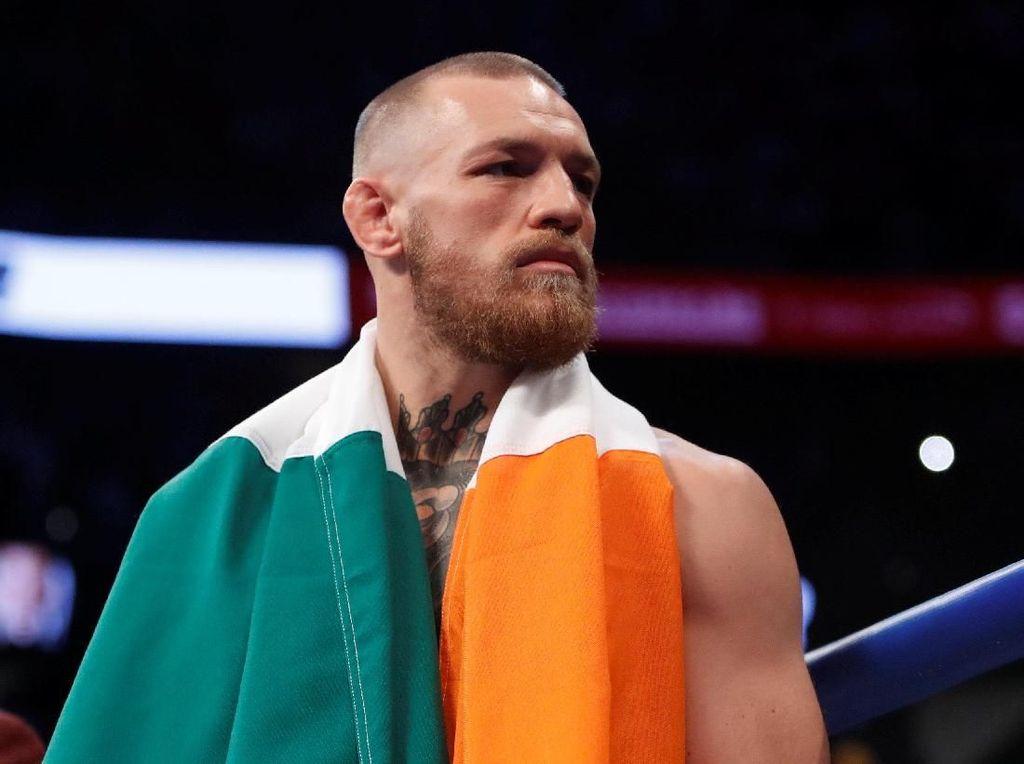 Pukul Orang Tua di Bar, McGregor Minta Maaf