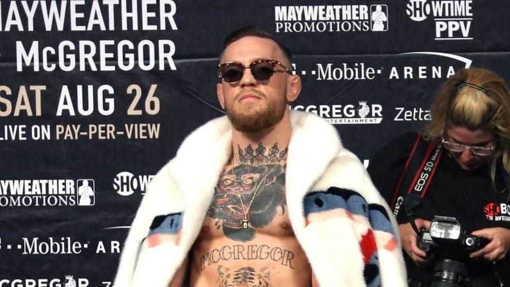 Conor McGregor Pensiun dari MMA, Lihat Gaya Mewahnya Pakai Gucci