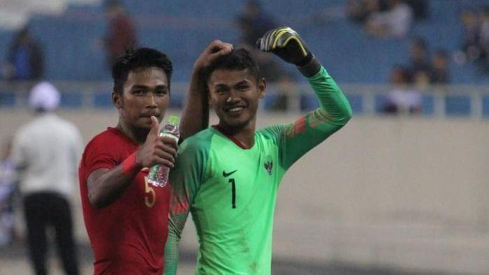 Penyerang timnas U-23 Dimas Drajad jadi kiper dadakan dan gagalkan penalti Brunei Darussalam. (Foto: dok. PSSI)