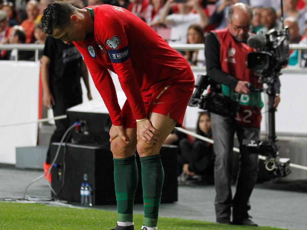 Ronaldo Bilang Tak Apa-apa, tapi Fans Juventus Tetap Waswas