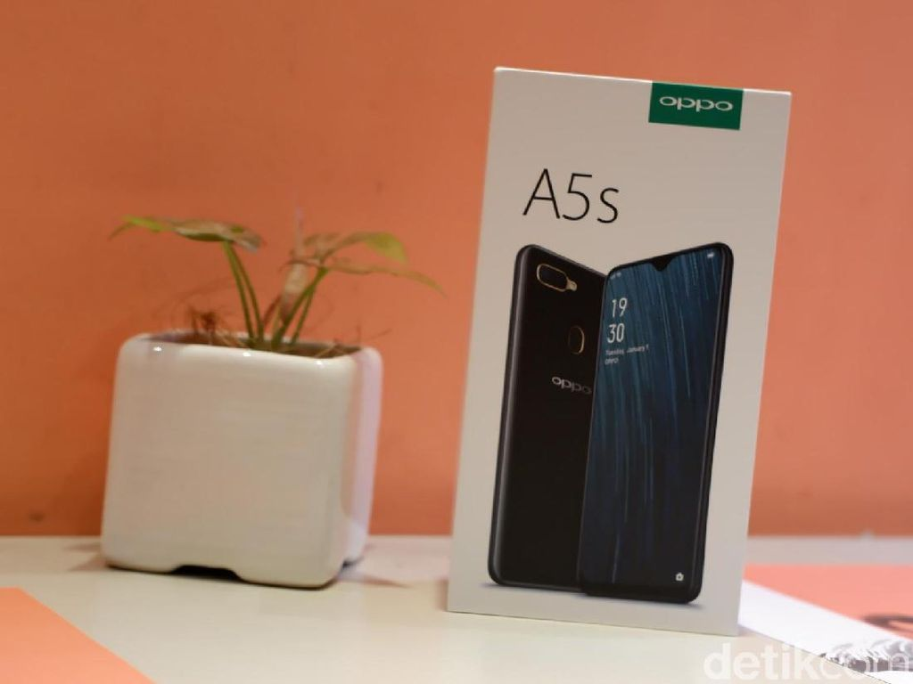 Unboxing A5s, Ponsel Jagoan Terbaru Oppo Rp 1 Jutaan