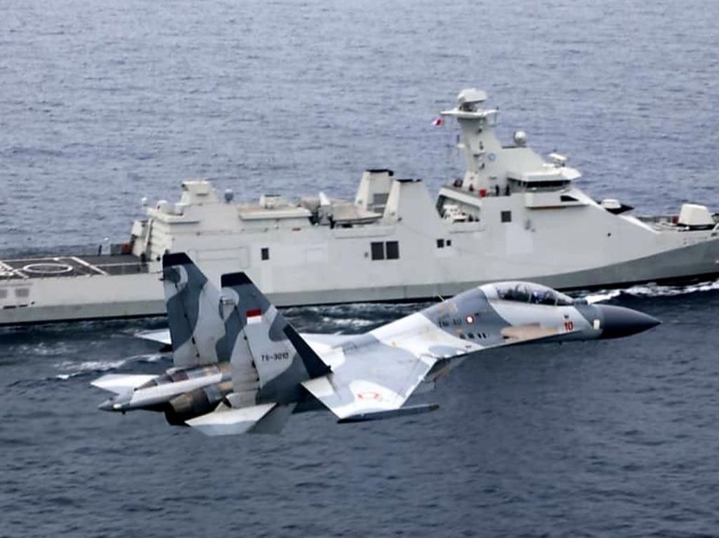 KRI I Gusti Ngurah Rai Latihan Bareng Sukhoi, Tingkatkan Pertahanan Udara