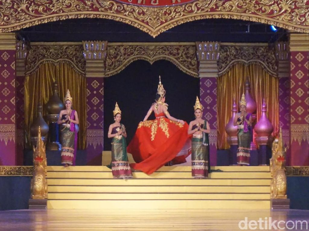 Foto: Naik Gajah sampai Nonton Ladyboy di Pattaya, Mau?