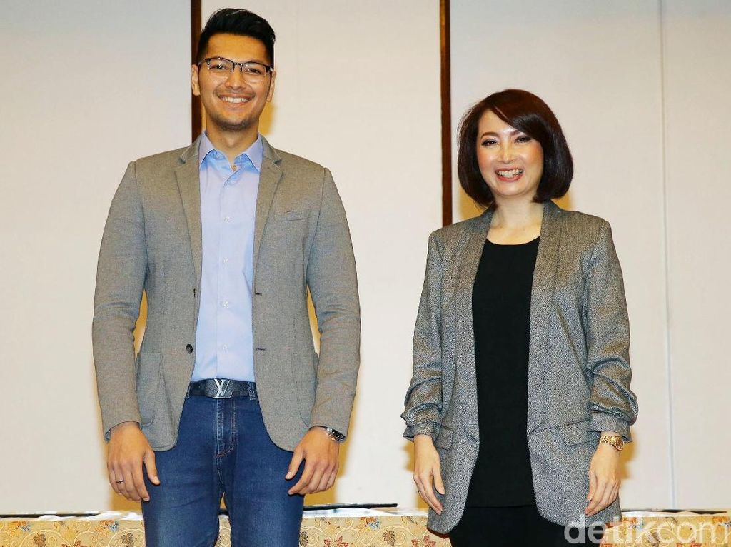 Zulfikar Naghi dan Retno Pinasti Teken Pakta Integritas
