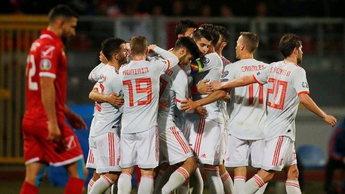 Spanyol sangat dominan saat mengalahkan Malta 2-0 di Kualifikasi Piala Eropa 2020. (Foto: Darrin Zammit Lupi / Reuters)