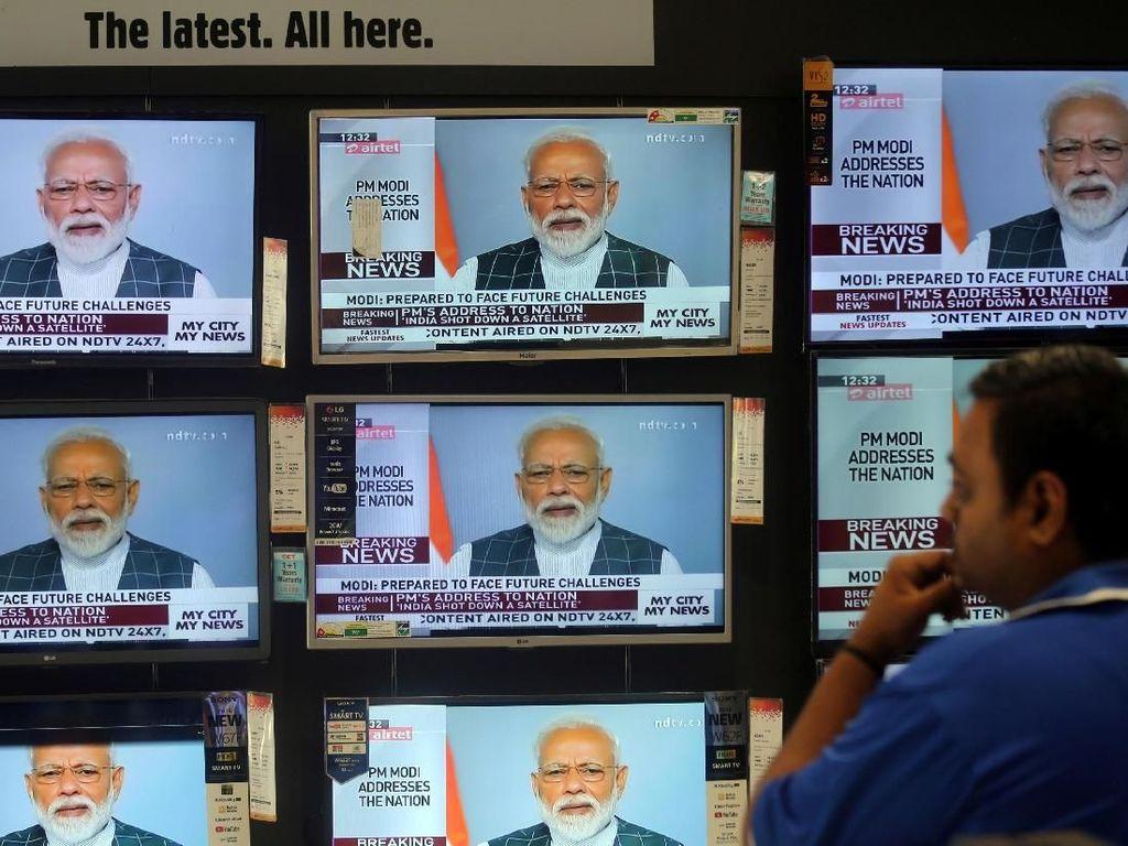 India Berhasil Tembak Jatuh Satelit di Luar Angkasa