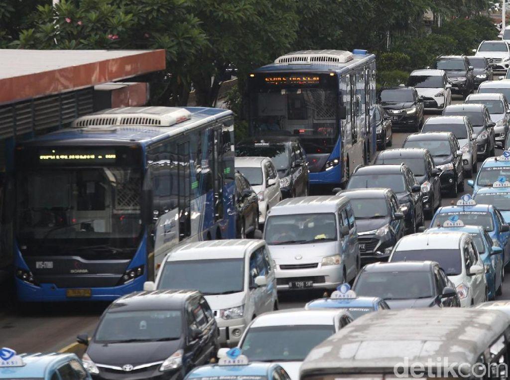 Duh,... Jalur TransJakarta kok Susah Banget Steril
