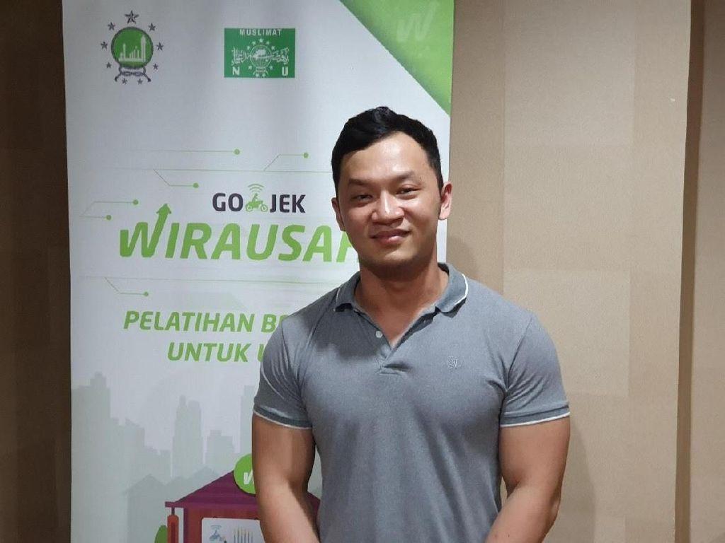 Go-Food Bantu Pemuda Ini Rajai Pasar Ayam Geprek di Semarang