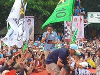 Siapa Nakal Kibarkan Bendera PPP dan PBB di Kampanye Sandi?