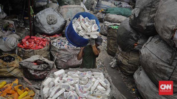 Ilustrasi daur ulang sampah plastik.