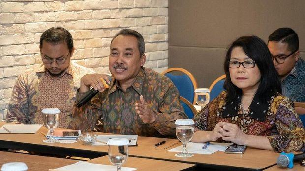 Peneliti politik dair LIPI Syamsuddin Haris (tengah).