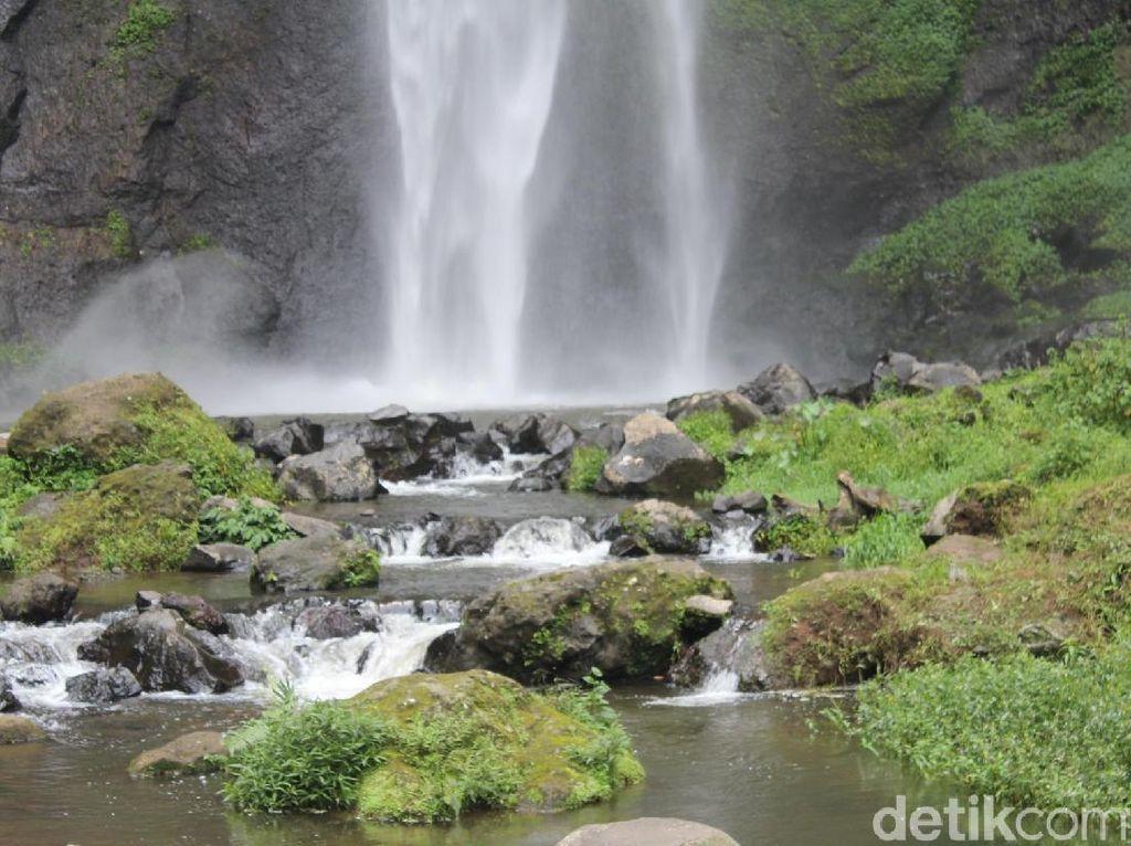 Foto: 2 Air Terjun Segar di Bandung Barat