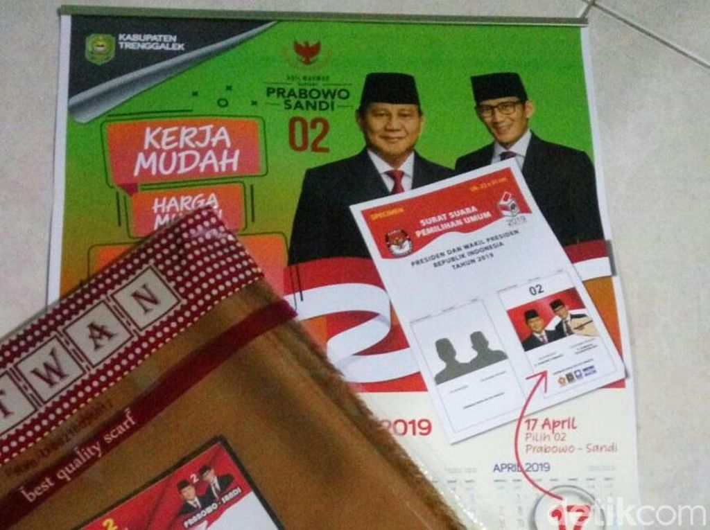 Tim Prabowo-Sandi Trenggalek Instruksikan Tutup Logo Pemkab di Kalender