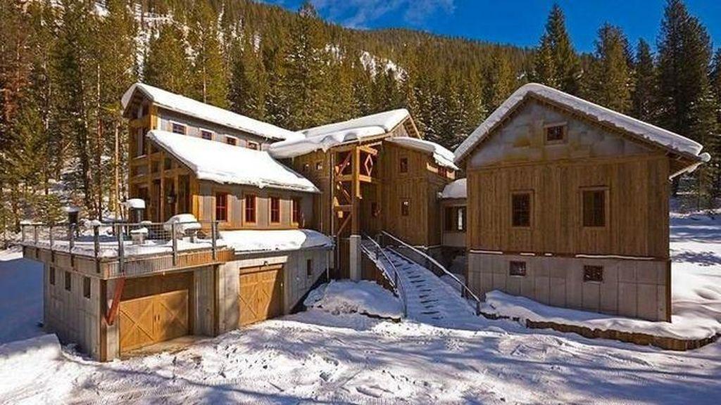 Penampakan Rumah yang Dibangun Pakai Bahan Bekas Tambang Emas
