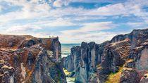 Islandia Buka Lagi 15 Juni, Turis Dapat Tes COVID-19 Gratis