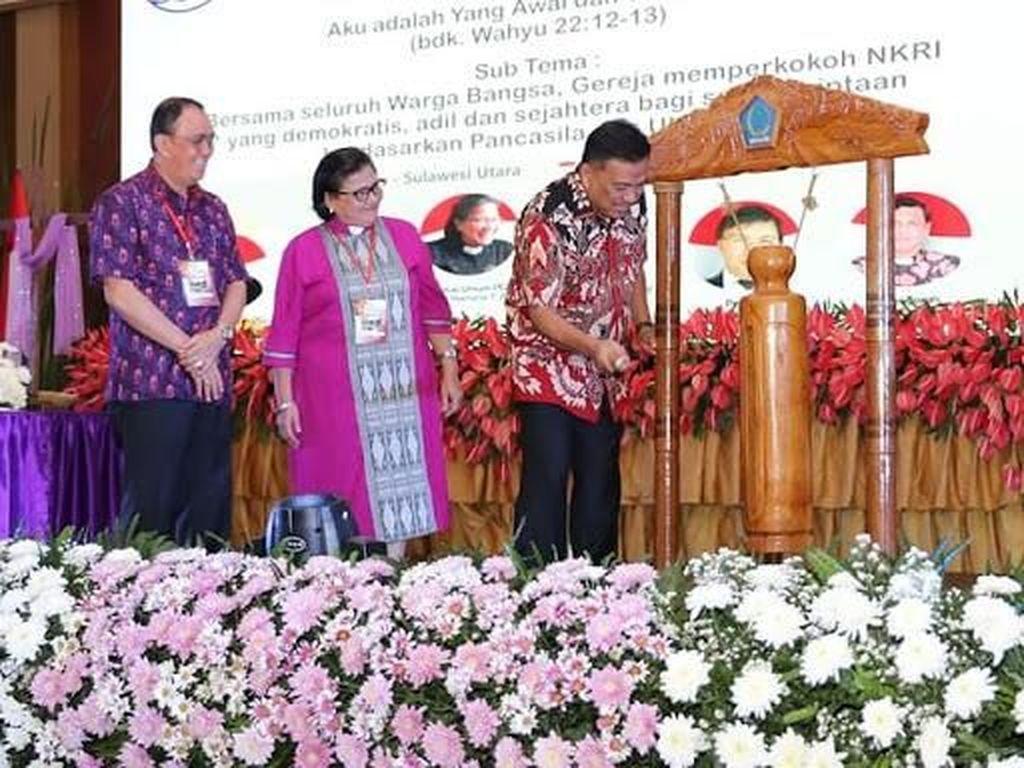 Gubernur Sulut Buka Konferensi Gereja dan Masyarakat X-PGI