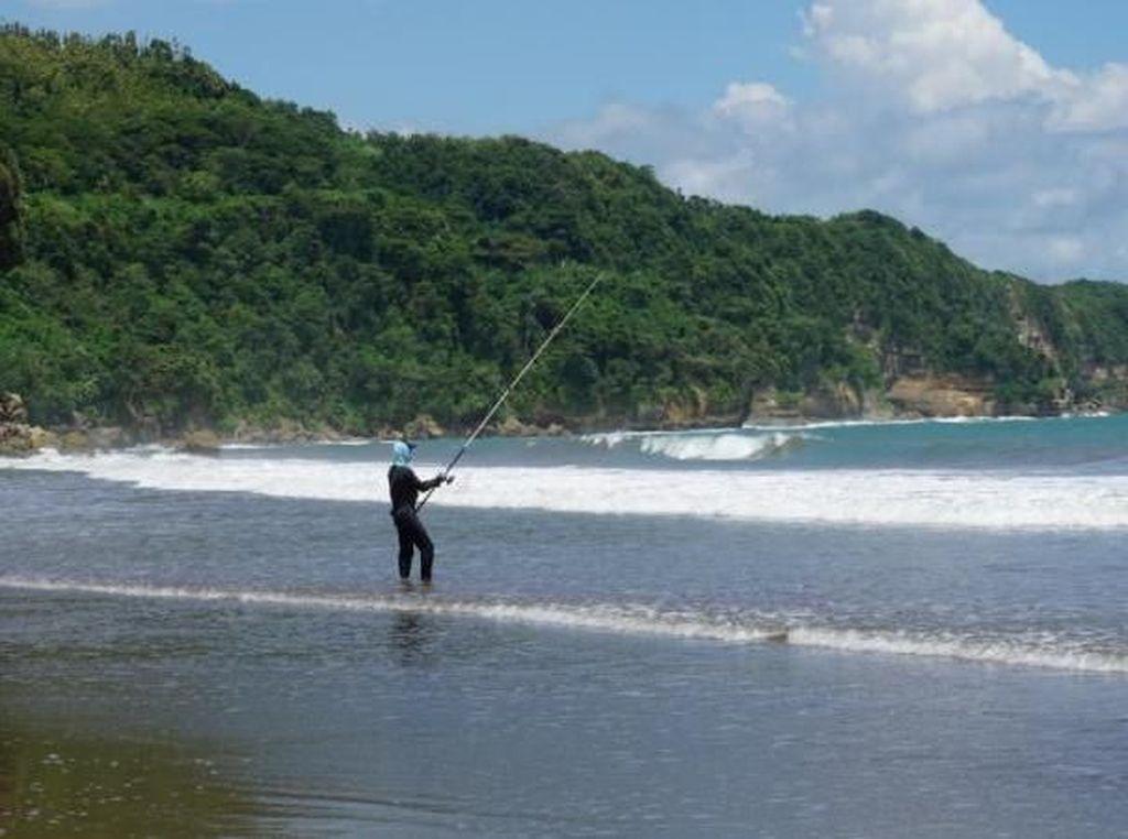 Tulungagung Juga Punya Pantai Cantik