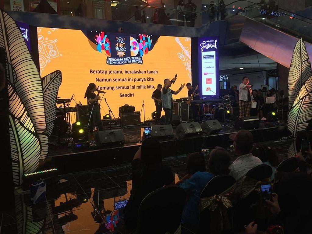 Karaoke Massal Bareng Robi Navicula hingga Indra Lesmana dHot Music Day 2019