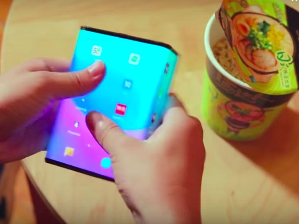 Ponsel Layar Lipat Xiaomi Kembali Beraksi, Siap Dirilis?