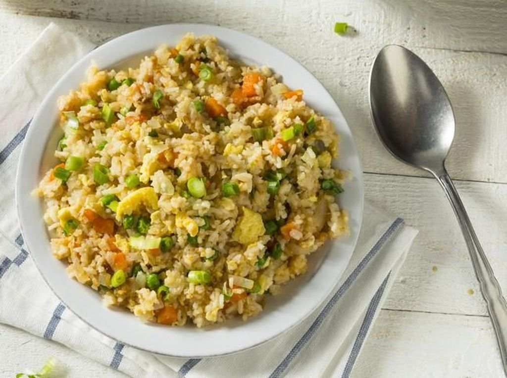 Ini Kalori Seporsi Nasi Uduk dan Nasi Goreng, Pilih Mana?