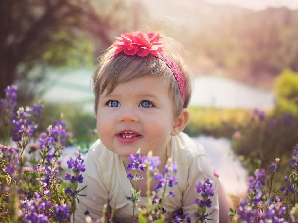 20 Inspirasi Nama Bayi Perempuan Bermakna Suara Merdu