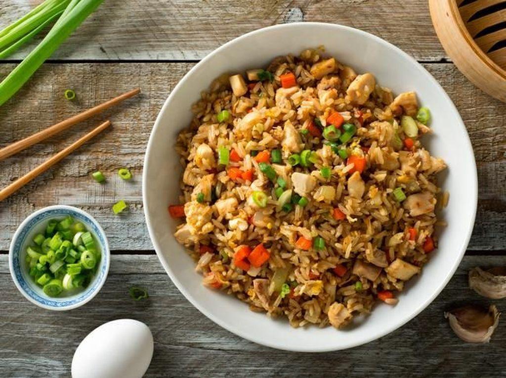 Mengenal Sindrom Nasi Goreng, Keracunan Makanan yang Bikin Diare dan Mual